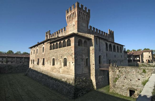 Castello di Malpaga - CAVERNAGO - BG