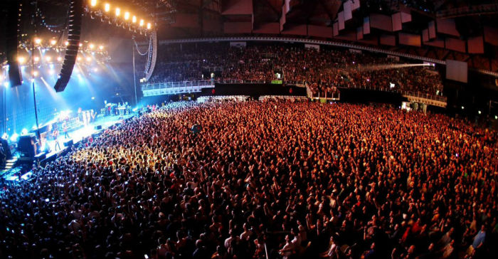 UNIPOL ARENA The Clash: white riot, black riot
