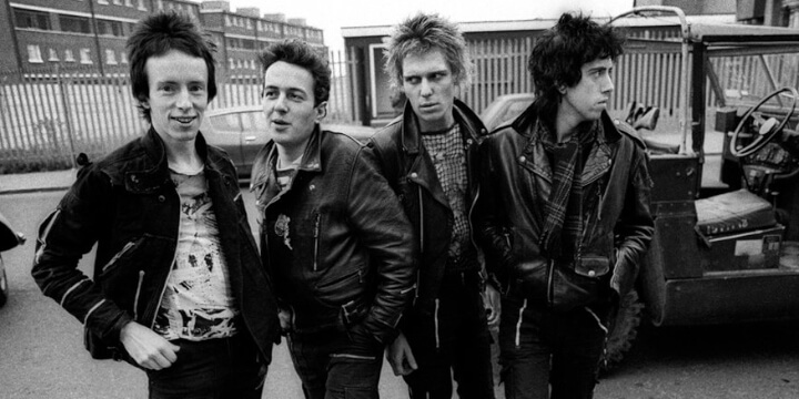 The Clash: white riot, black riot