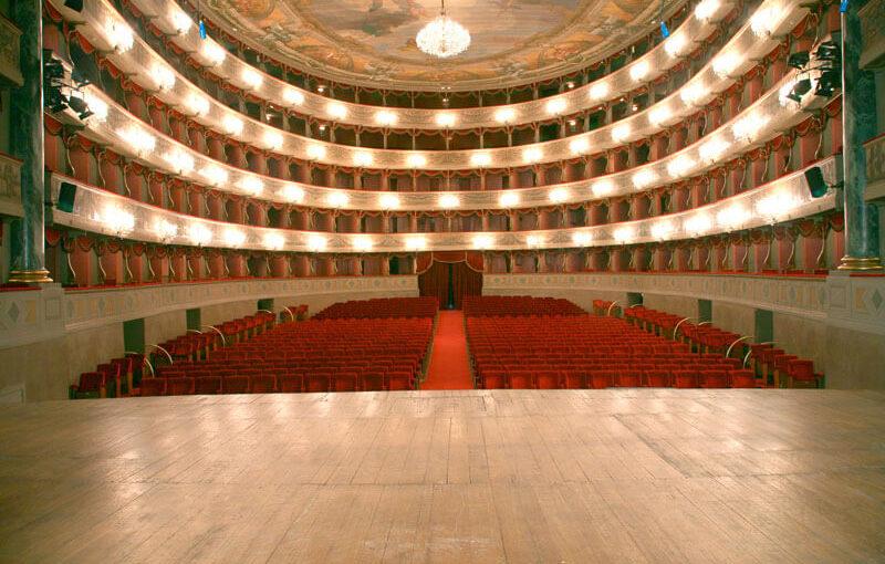 10806442 1576778079223551 4244628670929069615 n 800x510 Teatro Donizzetti di Bergamo